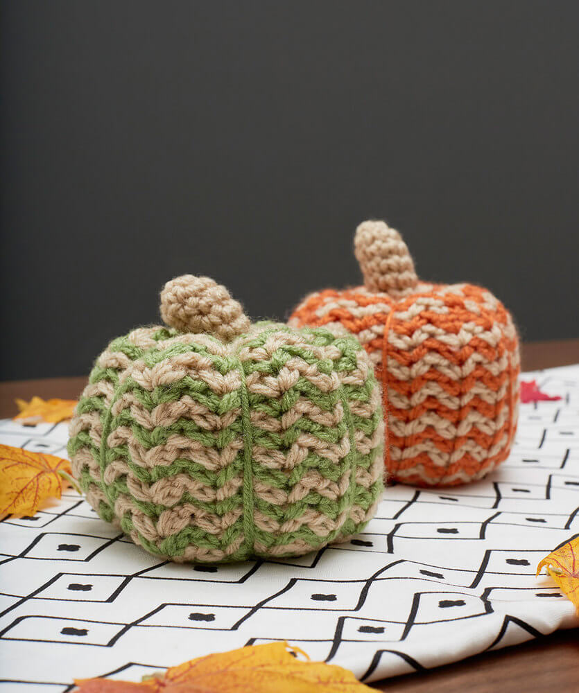 Red Heart free pattern spicy crochet pumpkins