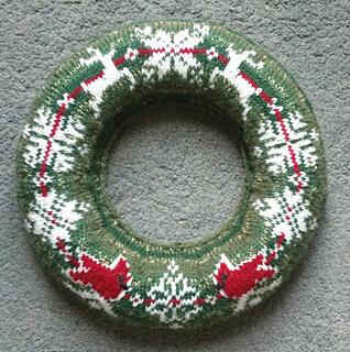 Christmas Jumper Wreaths Free Knit Pattern