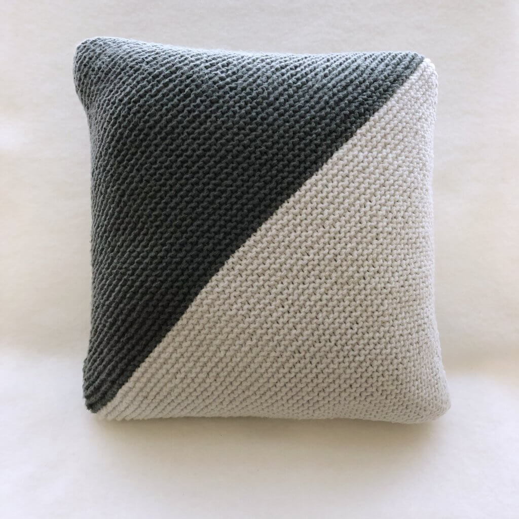 Easy Two-Toned Pillow for beginners designed by Edie Eckman