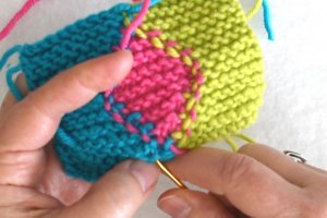 Garter Stitch Intarsia Weave in ends.