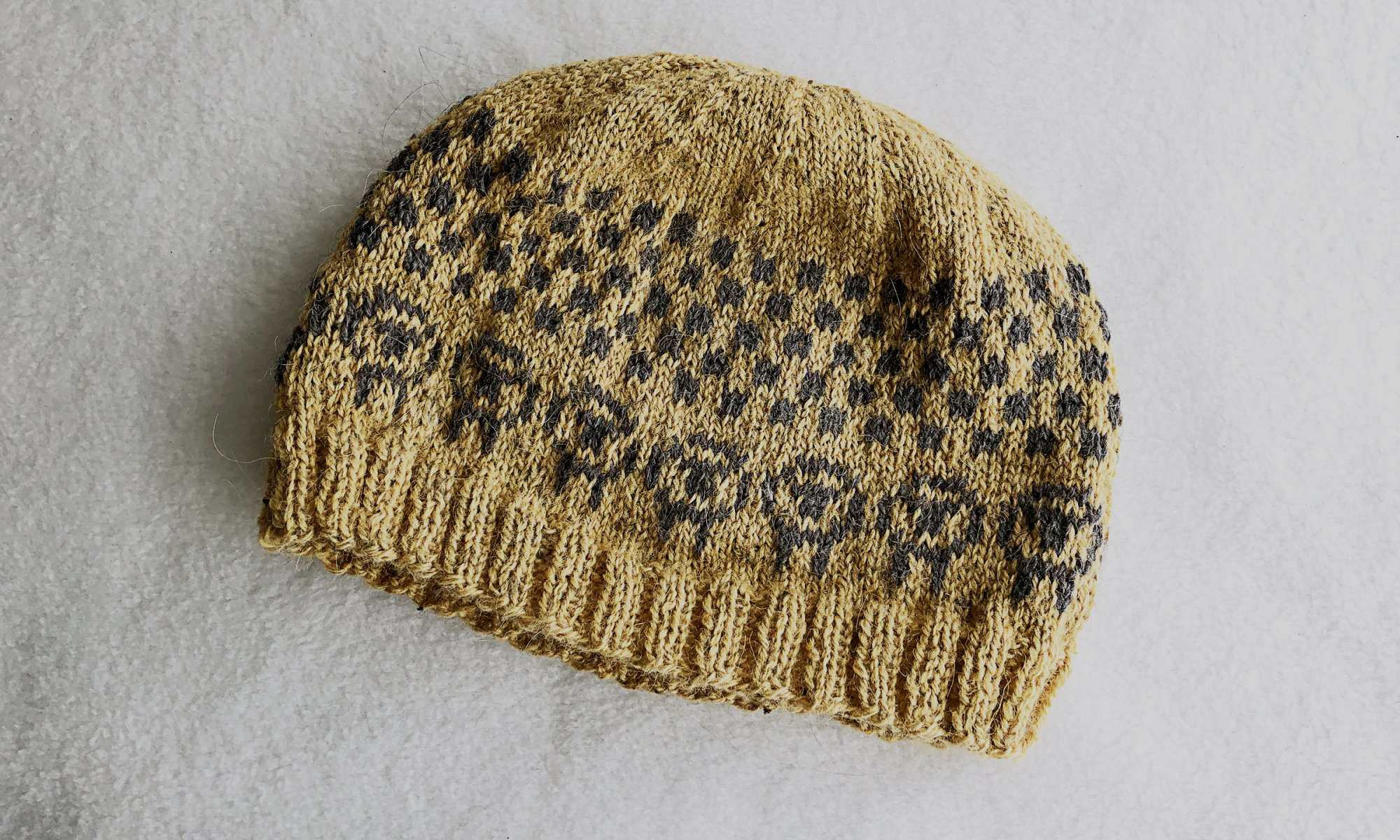 Simple Sheep Hat Knitting Pattern by Edie Eckman