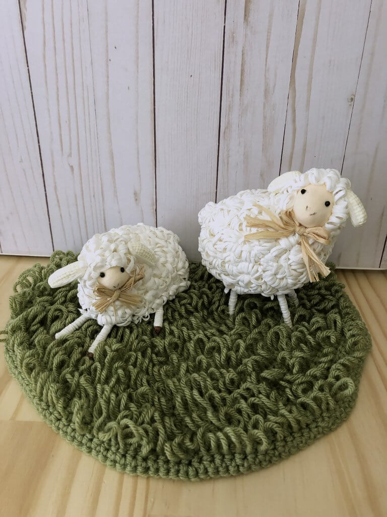 Crocheted Grass Circle with Loop Stitch or Fur Stitch